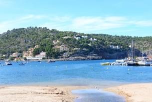 facades in s?ller - beach - majorca - spain - balearic islandsの写真素材 [FYI00696630]
