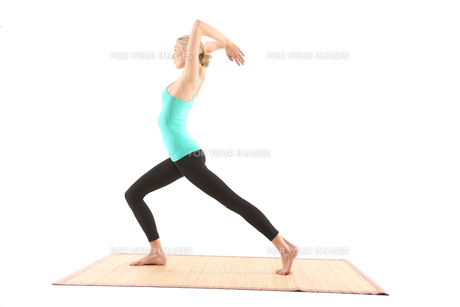 young woman doing yogaの素材 [FYI00696757]