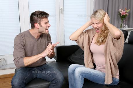 couple having quarrelの素材 [FYI00696763]