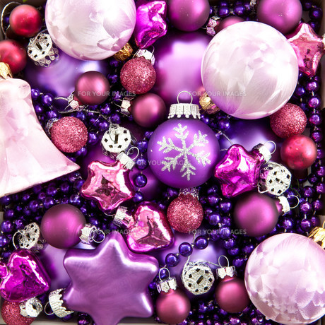 background of colorful baublesの素材 [FYI00696860]