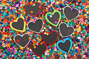 small heart panels on confettiの写真素材 [FYI00697562]