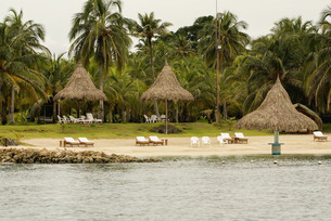 traditional house in the island mucur,colombiaの写真素材 [FYI00698919]