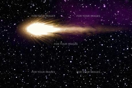 comet in the night skyの写真素材 [FYI00699401]