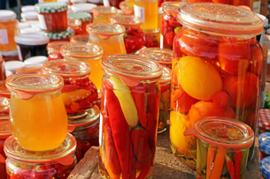 preserved tomatoesの写真素材 [FYI00700151]