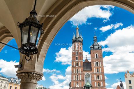 marienkirche in krakowの写真素材 [FYI00700276]