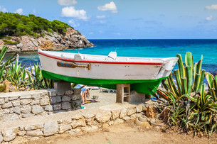 figueral beach in ibiza,spainの写真素材 [FYI00701314]