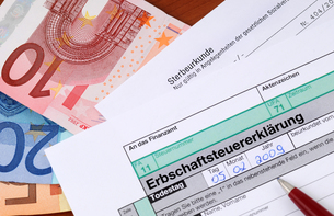inheritance / german death taxの写真素材 [FYI00701803]