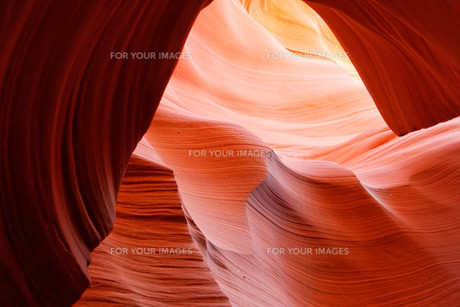 lower antelope canyonの素材 [FYI00701979]