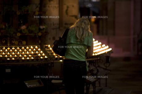 prayer candlesの素材 [FYI00702012]
