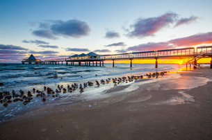 pier at sunriseの素材 [FYI00702607]