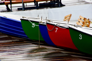 rowboats on the maschsee in hanoverの写真素材 [FYI00702627]