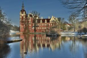 castle in the prince p?ckler parkの写真素材 [FYI00706286]