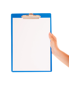female hand holds clipboard with empty blank signの写真素材 [FYI00707002]