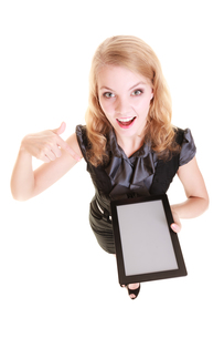 businesswoman showing copy space on the tablet padの写真素材 [FYI00707015]
