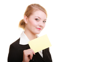 ad. businesswoman holding blank card copy spaceの写真素材 [FYI00707775]