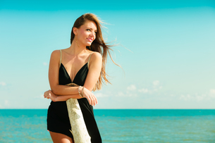 beautiful sexy girl on the seashoreの写真素材 [FYI00707805]