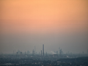 smog over the rhine valleyの写真素材 [FYI00712261]