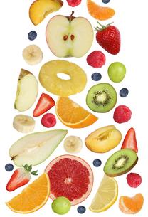 falling fruits like orange fruit,apple,banana and strawberryの素材 [FYI00715849]