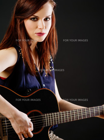 womanの写真素材 [FYI00717264]