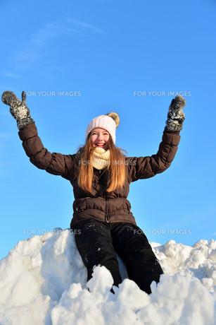 girl in snow winterの写真素材 [FYI00717770]