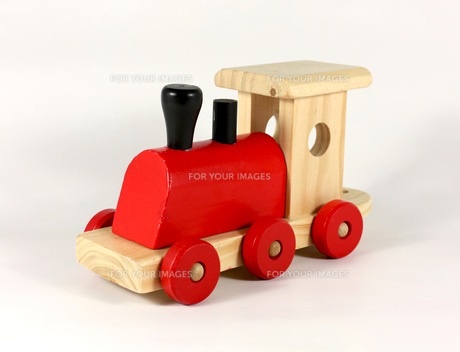 lok a wooden train on white backgroundの写真素材 [FYI00722689]