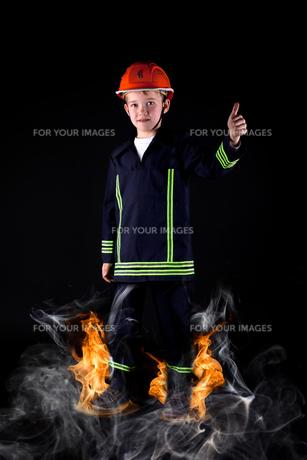 little firemanの写真素材 [FYI00725990]
