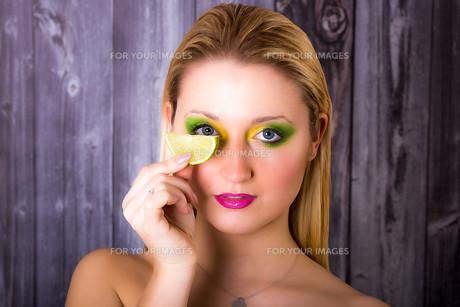 model meets limeの写真素材 [FYI00733203]