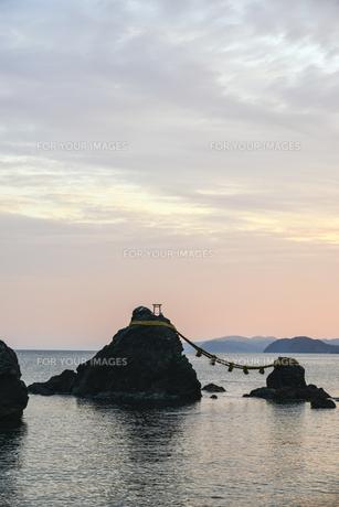 夫婦岩・屏風岩・二見浦の写真素材 [FYI00735253]