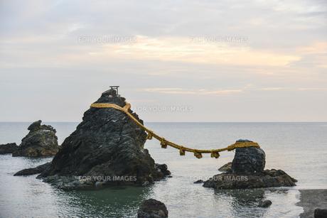 夫婦岩・屏風岩・二見浦の写真素材 [FYI00735301]