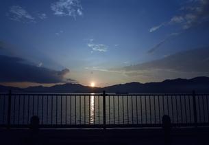 京都舞鶴湾の夕暮れの写真素材 [FYI00735705]