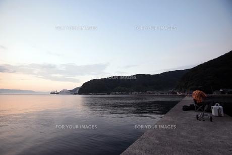 京都舞鶴湾の夕暮れの写真素材 [FYI00735710]