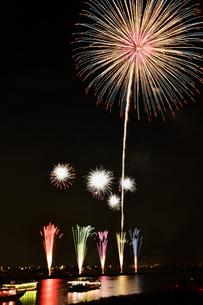 江戸川花火大会の写真素材 [FYI00735832]