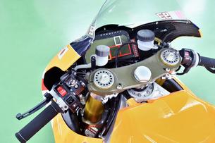 オートバイのレーシングマシンの写真素材 [FYI00736799]