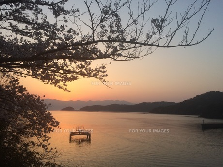 琵琶湖サンセットの写真素材 [FYI00737995]