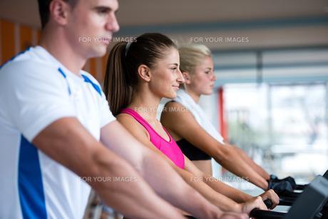 fitness_funsportの写真素材 [FYI00738753]
