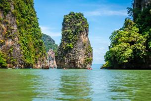 beautiful scenery of phang nga national park in thailandの写真素材 [FYI00741025]