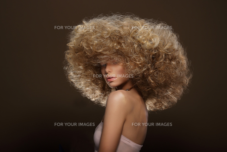 Updo. Vogue Style. Woman with Futuristic Hairdoの写真素材 [FYI00741318]