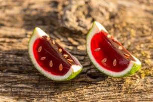 Strawberry jelloの写真素材 [FYI00741671]
