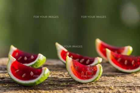 Strawberry jelloの写真素材 [FYI00741673]