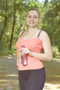 Fitness Smiling Healthy Young Womanの写真素材 [FYI00741832]