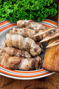 grilled Turkey sausages with beerの写真素材 [FYI00742081]