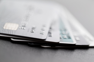 Stack of credit cardの写真素材 [FYI00742323]