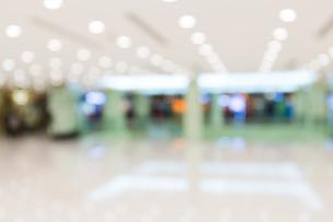 Shopping center blur backgroundの写真素材 [FYI00742385]