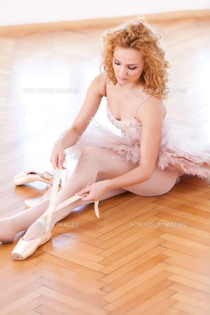 Gracefully Ballerinaの写真素材 [FYI00742401]