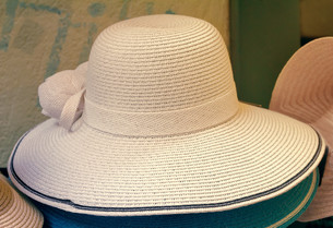 Women's summer hat for sun protection.の写真素材 [FYI00742927]