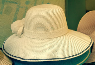 Women's summer hat for sun protection.の写真素材 [FYI00742931]