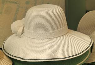 Women's summer hat for sun protection.の写真素材 [FYI00742934]