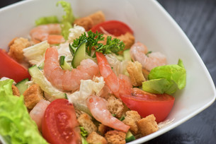 shrimp vegetable saladの写真素材 [FYI00743033]
