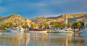 UNESCO city of Trogir skylineの写真素材 [FYI00743160]