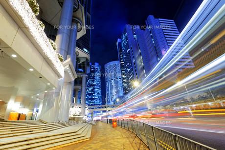 hong kong traffic nightの写真素材 [FYI00743281]
